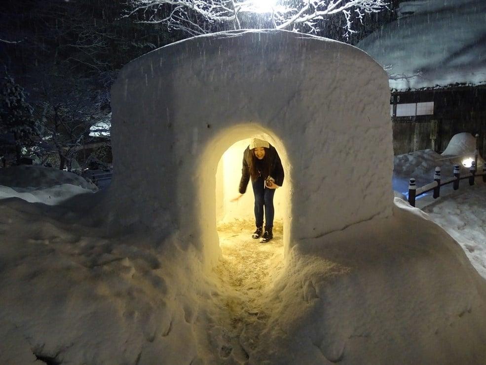 japonaise-sous-la-neige