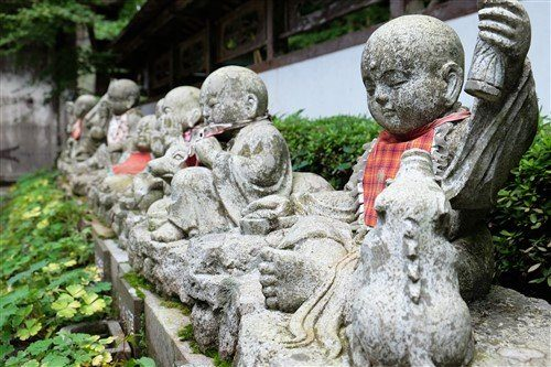 Des temples bouddhistes