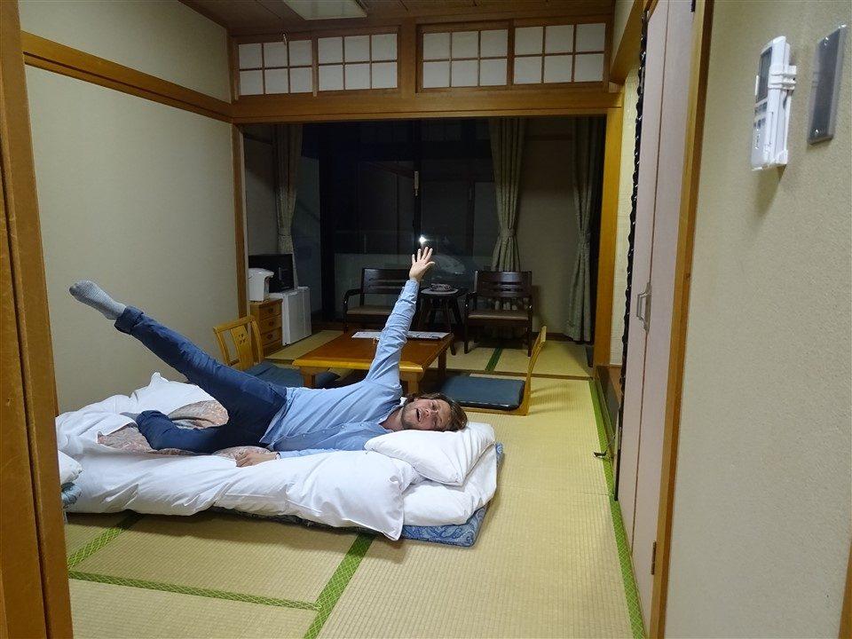 Alex dans le ryokan