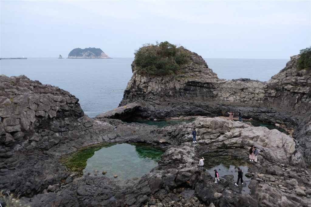 Une piscine naturelle à Jeju