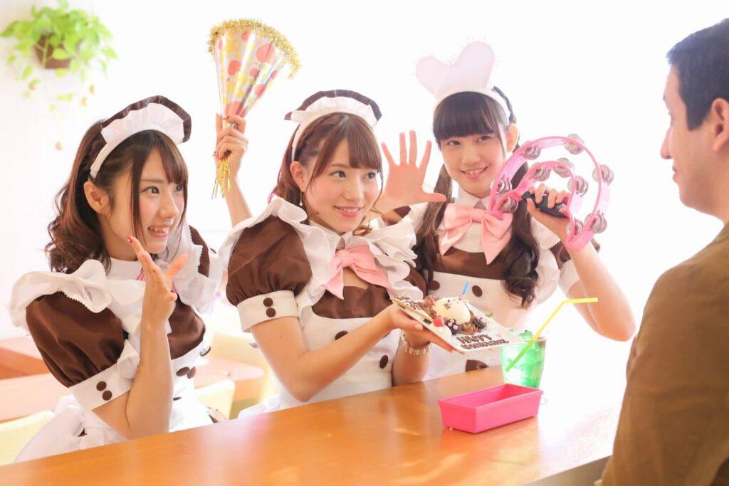 Un maid café au Japon